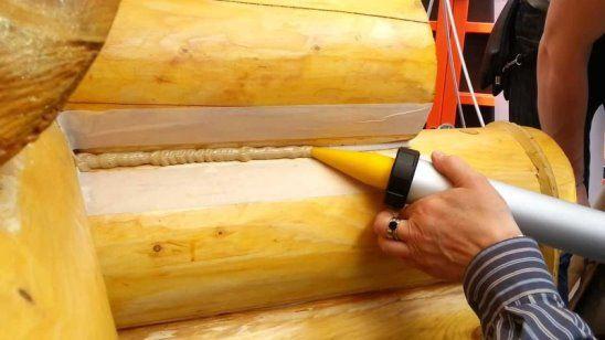 Герметизация швов между бревнами дома из сруба