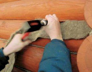 Конопатка швов деревянного дома